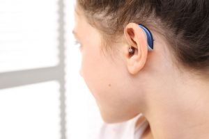 causes adults young Hearing in loss