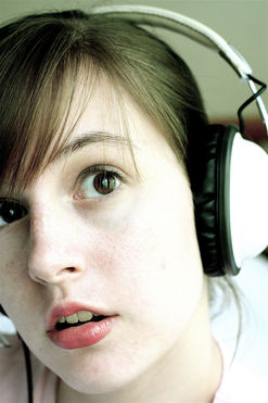 noise-induced hearing loss, safe listening, hearing loss prevention, hearing loss in teens